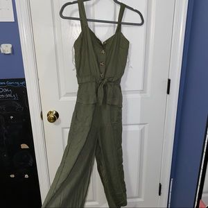 Green, cropped jumpsuit
